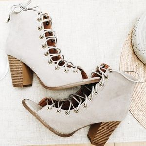 Women's Faux Suede Taupe Lace up Bootie size 10